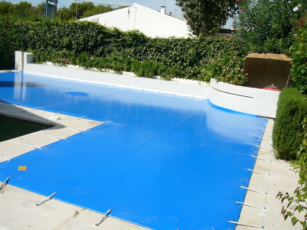 Cobertores de piscina toldos de la fuente for Toldos para piscinas